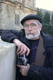Bruce Holman Photographing in Carcassone, France